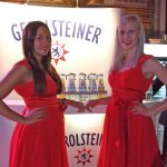 Hostessen bei Gerolsteiner Messestand